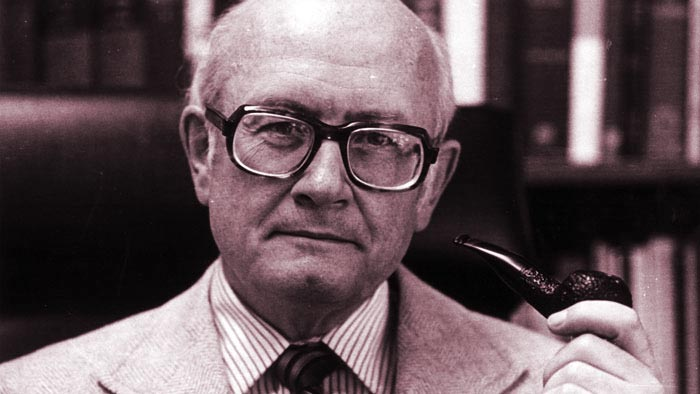 Robert J White científico loco