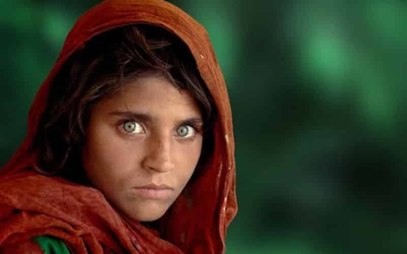 Chica afgana fotografía famosa de Steve McCurry