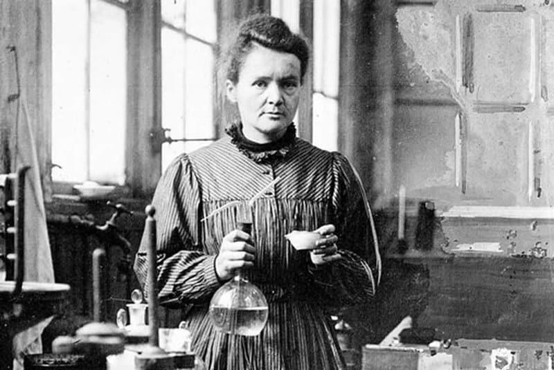 Marie Curie - Mujer más importante de la historia
